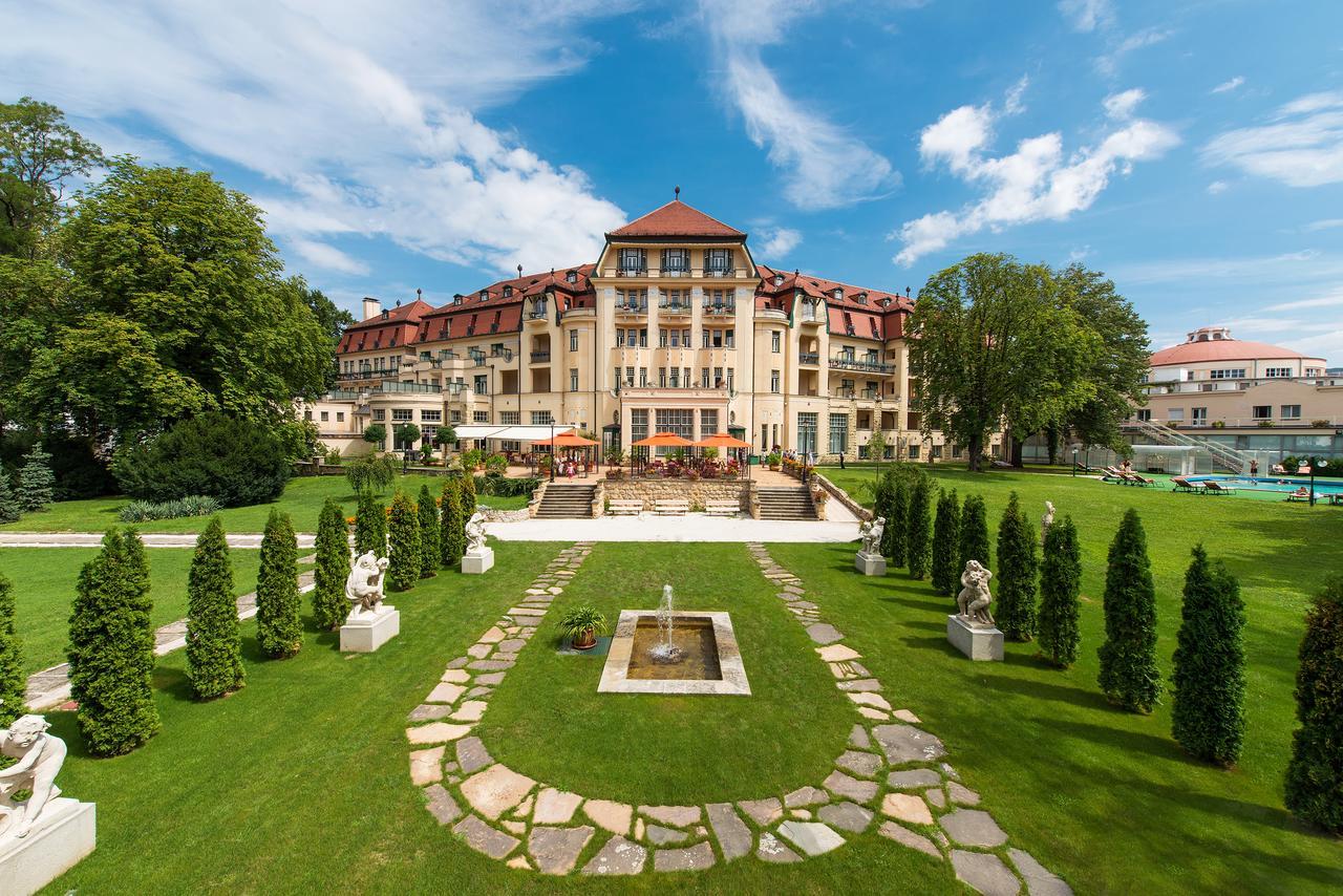 Пієштяни курорт Словаччина