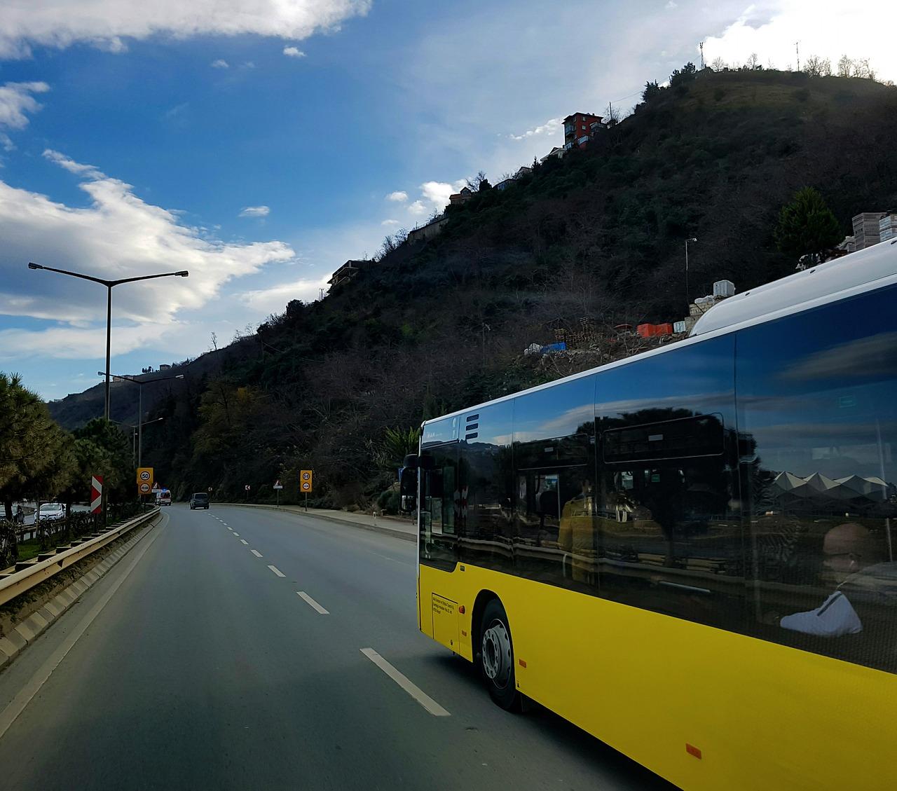 подорожі автобусом: за і проти