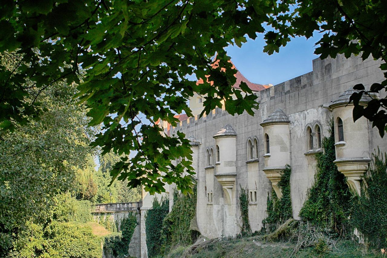 замок Бойніце у Словаччині