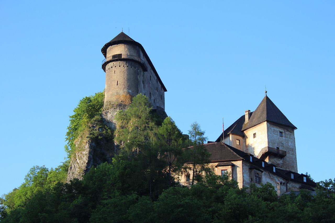 Оравський замок