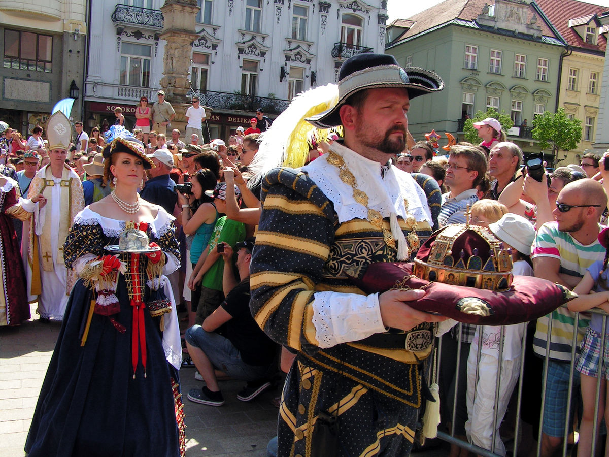 фестивалі словаччини свято коронації