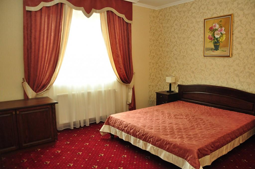 Жайворонок готель