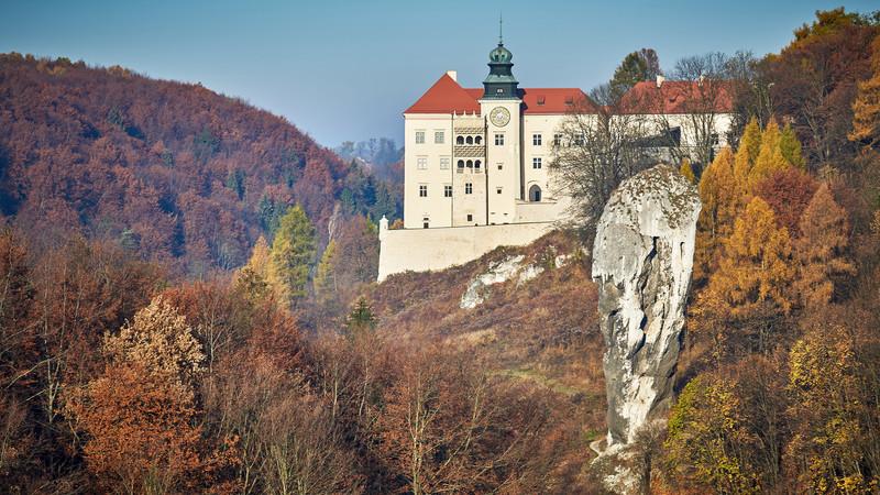 Орлині гнізда замок Пєскова Скеля