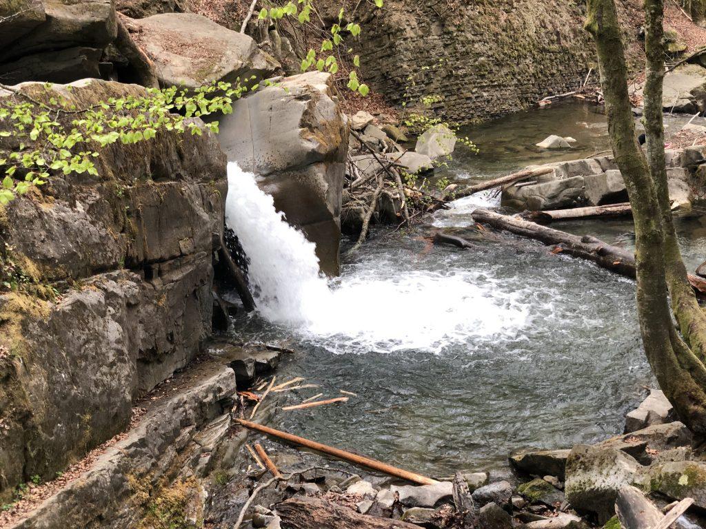 лумшорський водоспад давір
